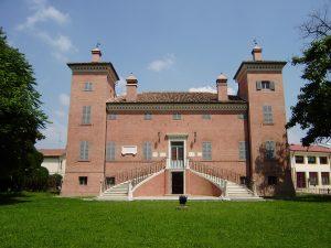 veduta frontale villa Arienti Schiatti Gigilioli (ex sede municipale)